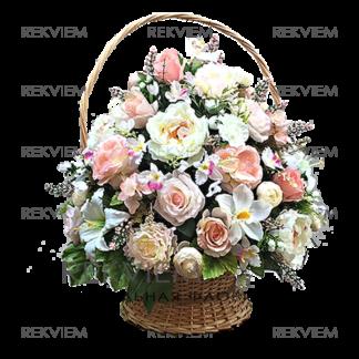 корзина из искусственных цветов розовая